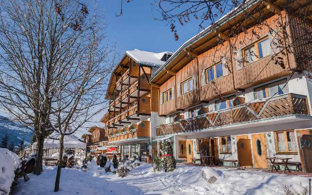 Aparthotel Ferienalm liegt im Winter in Top Lage